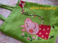 Χειροτεχνήματα: Γυναικείες τσάντες από λινάτσα/ Burlap tote bags