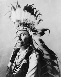 Chief Joseph Indian in headdress vintage 8x10 Reprint Of photo Chief Joseph Indian in headdress vintage 8x10 Reprint Of photo Here is a neat collectible featuring Chief Joseph, an Indian in a feather
