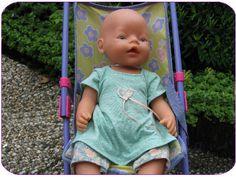 gratis patroon voor 43 cm pop Naaipatroon Babyborn jurkje met legging