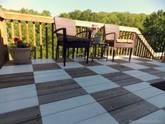 I absolutely adore this checkerboard painted deck - Sweet Parrish Place Outdoor Decor, Diy Outdoor, Backyard Design, Outdoor Living, Patio Spaces, Home Renovation Loan, Deck Design, Renovation Loans, Deck Paint