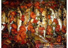 Κολιοί πλακί με ντομάτα και σταφίδες του Καλλίδη recipe main photo Greek Recipes, Fish Recipes, Yummy Mummy, Fish And Seafood, Ratatouille, Tandoori Chicken, Shrimp, Snacks, Meat