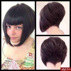 Angled Bobs, Wavy Bobs, Wavy Bob Hairstyles, Trending Hairstyles, Short Hair Cuts, Short Hair Styles, Wavy Bob Long, Look Festival, Shaved Nape