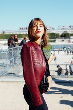 La Superbe Jeanne Damas @ PFW Jeanne Damas, Leather Jacket Outfits, Leather Jackets, Mademoiselle, Diva Fashion, Madame, Parisian Style, Cool Outfits, Amazing Outfits
