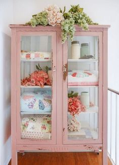 Shabby Chic Pink, Shabby Chic Tapete, Muebles Shabby Chic, Shabby Chic Bedrooms, Shabby Chic Homes, Shabby Chic Decor, Rustic Decor, Shabby Vintage, Vintage Pink