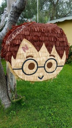 Harry Potter Fiesta, Cumpleaños Harry Potter, Harry Potter Birthday, Birthday Pinata, Boy Birthday Parties, How To Make Pinata, Anniversaire Harry Potter, Magic Party, Diy Birthday Decorations
