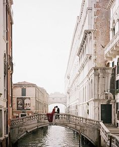 A Venice elopement photographed by @kobybrown