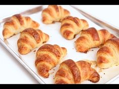SHARING IS ( Croissants On Fire ) Want to make awesome croissant at home? Cuisine expert Laura Vitale unfolds her own easy-to-make recipes for home-made delicious croissants. Check this video below ( you'll love this croissant recipe ) SHARING IS Homemade Croissants, Chocolate Croissants, Bread Recipes, Cooking Recipes, Cooking Rice, Fire Cooking, Cooking Hacks, Cooking Chef, Breakfast