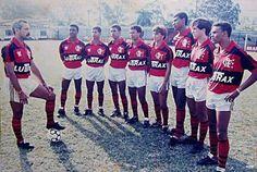Da esquerda pra direita: Júnior, Nélio, Marcelinho Carioca, Djalminha, Marquinhos, Paulo Nunes, Júnior Baiano, seria o Gottardo e Piá.
