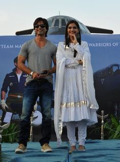 Shahid Kapoor & Sonam Kapoor Promoting Mausam in Chandigarh 2011 Sep