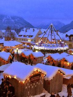 Christmas Market, Mariazell, Austria Que bonita Navidad Places To Travel, Places To See, Places Around The World, Around The Worlds, White Xmas, Snow White, Beautiful World, Beautiful Places, Winter Scenes