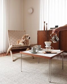 Browse Carl Hansen @ Olson and Baker Outdoor Side Table, Outdoor Dining Chairs, Outdoor Lounge, Scandi Living Room, Scandi Home, Danish Furniture, Modern Furniture, Furniture Design, Cuba