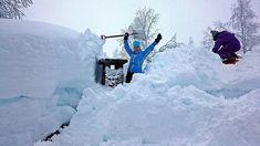 """Mye snø overalt. #reiseblogger #reiseliv #reisetips #reiseråd  RepostBy @jane_mala: """"Yess !!! Endelig kom hyttepipa fram  då var det berre resten igjen  Bulko  Voss ! (via #InstaRepost @EasyRepost)"""