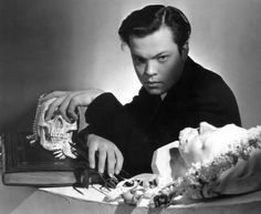 Cecil Beaton, Portrait of Orson Welles, 1937 Lauren Bacall, Mick Jagger, Orson Welles Radio, Vanity Fair, Classic Hollywood, Old Hollywood, Hollywood Knights, Hollywood Stars, Buster Keaton
