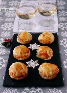 Receta de bocaditos de queso brie con mermelada de tomate. Receta de Navidad. Con fotos paso a paso, consejos y sugerencias de degustación. Aperit...
