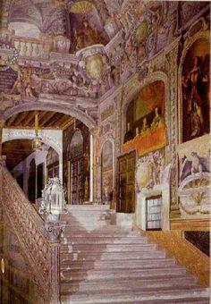 Es un palacio del siglo XV mandado edificar por Enrique III, pasando a ser más adelante la vivienda de un contador de Carlos I. Se encue...