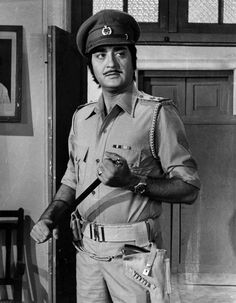 #SunilDutt Sunil Dutt, Bollywood Fashion, Bollywood Style, Indian Movies, Good Looking Men, Funny Pictures, Funny Pics, Memoirs, Movie Stars