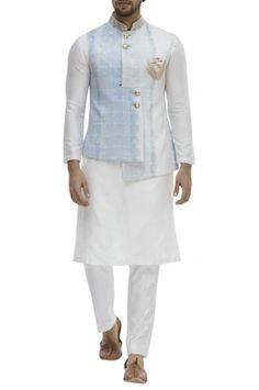 Buy Overlap Bundi Kurta Set by Aryavir Malhotra at Aza Fashions Indian Men Fashion, Mens Fashion Week, Suit Fashion, Groom Fashion, Wedding Dresses Men Indian, Wedding Dress Men, Punjabi Wedding, Indian Weddings, Wedding Outfits