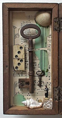 Shadow Box Assemblage Art - 'The Owl Sactuary' Shadow Box Kunst, Shadow Box Art, Altered Boxes, Cles Antiques, Old Keys, Found Object Art, Junk Art, Assemblage Art, Arts And Crafts