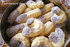 Retete Culinare - Fursecuri spritate Romanian Desserts, Romanian Food, Spritz Cookies, Cake Cookies, Cookie Recipes, Dessert Recipes, Butter Cookies Recipe, Sweet Pastries, Pastry Cake