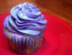 Grape Soda Cupcakes - The TipToe Fairy Easy Desserts, Delicious Desserts, Dessert Recipes, Purple Desserts, Sweet Desserts, Sweet Cupcakes, Yummy Cupcakes, Purple Cupcakes, Cupcake Shops