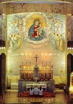 The beautiful sanctuary of Our Lady of Grace church in San Giovanni Rotondo, Italy. Padre Pio was sent to San Giovanni Rotondo in 1916 .♡ ♥ X ღɱɧღ Catholic Art, Catholic Saints, Roman Catholic, Religious Art, Catholic Churches, Cathedral Basilica, Cathedral Church, Blessed Mother Mary, Blessed Virgin Mary
