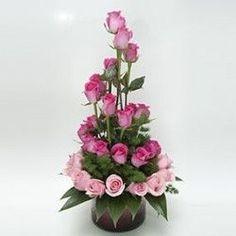 Arreglo Floral Espiral Magenta con rosas