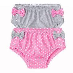 Resultado de imagen de cobre fralda passo a passo Little Girl Skirts, Little Girl Dresses, Toddler Outfits, Girl Outfits, Baby Bloomers Pattern, Girl Dress Patterns, Diaper Covers, Baby Pants, Baby Sewing