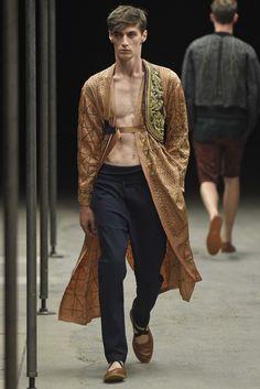 Dries Van Noten Spring/Summer 2015   Paris Fashion Week