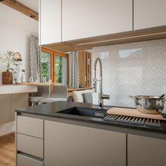 Küche & Essbereich Küchen Design, Sink, Kitchen, Home Decor, Home Kitchens, Living Area, Dining Rooms, Cloakroom Basin, Homes