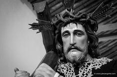 Jesús nazareno con la cruz by Jairo Angarita Navarro, via Flickr