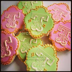 T for Tegan. #circusbirthday #birthday #birthdaycookies #5thbirthday #circuscookies #pinkandgreen #circusbirthday #monogramcookies by buttercupcookie