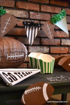 Chalkboard Table for Superbowl Party #superbowl #party