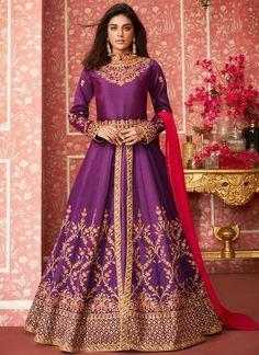 Get Attractive Purple Color Silk Designer Anarkali Salwar Suit latest designer party wear salwar suits, wedding wear Anarkali dress for women at VJV Fashions. Lehenga Anarkali, Silk Anarkali Suits, Lehenga Suit, Lehenga Style, Silk Lehenga, Salwar Suits, Abaya Style, Punjabi Suits, Designer Anarkali