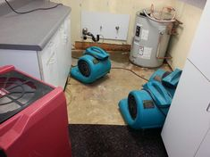 WATER FLOOD FIRE MOLD DAMAGE RESTORATION AND CLEANUP 24 HR EMERGENCY SERVICES