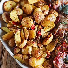 Roasted Potatoes & Peppers- Savory potatoes and spicy peppers make a great side to any brunch entrée. Rub the potatoes with your favorite spice mix pre-cooking to personalize the taste. Potato Dishes, Vegetable Side Dishes, Vegetable Recipes, Vegetarian Recipes, Veal Saltimbocca, Veal Recipes, Potato Recipes, Tapas, Roasted Potatoes