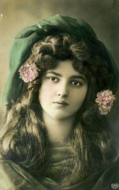 sisterwolf:        Vintage beauty - 1910