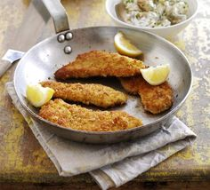 pork schnitzel - I've been eating salad, salad, and salad with a splurge of baked egg plant sticks over the weekend. THIS LOOKS SO GOOD!