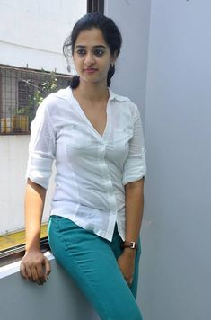 Nanditha Raj Body Measurements Bra Cup Breast Hips Dress Sizes Height Weight details is available also with Nanditha Rai big breast size Nanditha family member name pictures. Beauty Full Girl, Cute Beauty, Beauty Women, Raw Beauty, Beautiful Girl In India, Beautiful Indian Actress, Indian Girls Images, Girl Number For Friendship, Indian Beauty Saree