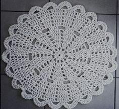 Crochet doily Step by step Tut Free Crochet Doily Patterns, Crochet Placemats, Crochet Motif, Crochet Doilies, Crochet Flowers, Thread Crochet, Crochet Stitches, Crochet Ideas, Crochet Round