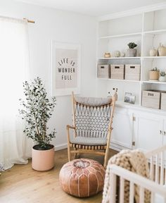 Interior Design Ideas and Home Decor Inspiration Nursery Neutral, Natural Nursery, Gender Neutral Nurseries, Bright Nursery, Rustic Baby Nurseries, Natural Bedroom, Baby Room Neutral, Bedroom Neutral, Yellow Nursery