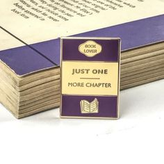 Just One More Chapter Enamel Book Pin - Book Lover Enamel Pin Badge - Book Cover - Literary Gift - Geek Gift for Book Lover - Book Jewellery Book Lovers Gifts, Gift For Lover, Purple Books, Book Jewelry, Literary Gifts, Gifts For Readers, Pin And Patches, Cute Pins, Geek Gifts