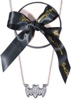 #GirlsDreams | Batman (schwarz) Halskette 36g #Gold mit schimmernden #Diamanten | Girls Dreams | mymint-shop.com | Ihr #OnlineShop für #Secondhand / #Vintage Designerkleidung & #Accessoires bis zu -90% vom Neupreis das ganze Jahr #mymint