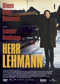 Herr Lehmann - Ein Film von Leander Haußmann, nach dem gleichnamigen Roman von Sven Regener, in der Hauptrolle Christian Ulmen. Ein großartiger Film über das Leben und vor allem das Lebensgefühl junger Erwachsener in Berlin kurz vor dem Mauerfall.