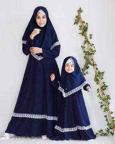 Modern Hijab Fashion, Muslim Women Fashion, Abaya Fashion, Dress Brokat Muslim, Muslim Dress, Baby Girl Dress Patterns, Baby Girl Dresses, Estilo Abaya, Hijab Style Tutorial