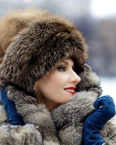 Renata Litvinova's Russian look. Renata Litvinova is a Russian actress, a film director and a screen writer. She has a bright personal style.