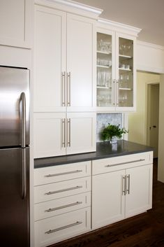 classic and modern white kitchen (just this picture. Not a link to the post)