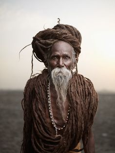 Holy Men of India – Fubiz™ (JOEY L)