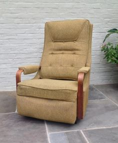 Mid Century Vintage Lazy Boy Rocker Recliner Mad Men Man