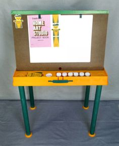 Vtg Crayola Craft Home Art Studio Portable Stand Up Easel Table W Chalkboard