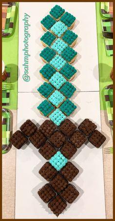 Diy Minecraft Birthday Party, Minecraft Cupcakes, Minecraft Party Decorations, Zelda Birthday, 6th Birthday Parties, 7th Birthday, Birthday Ideas, Minecraft Kunst, Fun Cupcakes